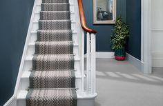 Example hallway in Stiffkey Blue Style At Home, Estilo Craftsman, Stiffkey Blue, Victorian Hallway, Hallway Colours, Flur Design, Hallway Inspiration, Hallway Designs, Hallway Ideas
