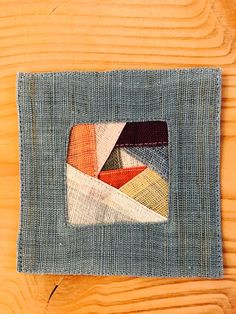 Hanging Quilts, Scrappy Quilts, Small Quilts, Korea, Card Holder, Crafts, Rolodex, Manualidades, Handmade Crafts