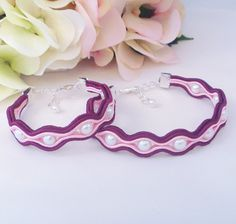 Soutache bracelets. Mother and daughter beaded bracelet set. Burgundy pink jewellery by MollyG Designs. Jewellery gift idea. by MollyGDesigns on Etsy