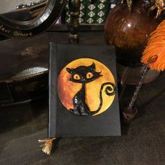 Gatto lunare Cute Black Cats, Staring At You, Book Of Shadows, Book Making, Fantasy World, Moonlight, 3 D, Plywood, Witches