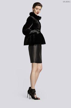 #fashion #temptacions #streetchicfashion #fashionista #streetstyle #accessories #ootd #complementosdemoda #primavera #cool #style #spanishbloggers #inspiracion #spring16  Carolina+Herrera+kolekcia+2016