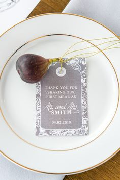 The combination of delicate lace and natural kraft paper is an essential of rustic chic and this lovely design on this napkin tag brings it all together flawlessly.