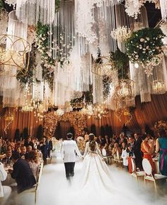 Luxurious wedding fit for a faerie princess {Instagram: theweddingscoopmy}