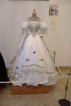 Bildergebnis für kaiserin elisabeth ungarisches kleid