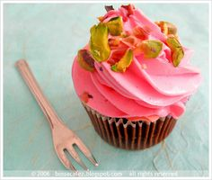 "The cupcake is like a little black dress -- it never goes out of style. But that doesn't mean you can't ""accessorize"" the bite-siz..."