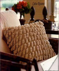 Una divina manera de desarrollar esta prenda accesoria decorativa del hogar creo que les gustarà tanto como a mi , y ademàs un soberbio bols...
