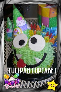 Smash cake monster cake pastel casero 100% fresh homemade baking #tulipáncupcakes en facebook
