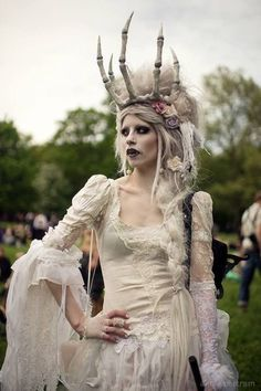 White Gothic Outfits for the Best Party Looks | ko-te.com by @evatornado |