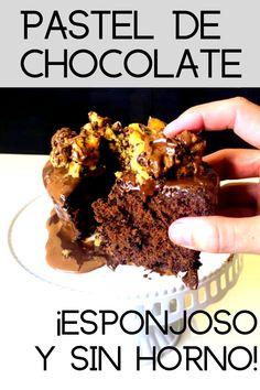 El PASTEL DE CHOCOLATE más fácil se hace sin horno ¡Entra a ver la propuesta de QUIEROCAKES! Sandwiches, Cereal, Food And Drink, Cupcakes, Sweets, Cookies, Breakfast, Desserts, Recipes