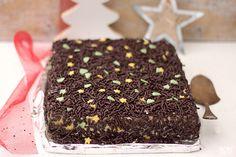 Koekjeskoek is een heerlijke taart voor kinderfeestjes maar ook voor de feestdagen. Wil je deze taart of andere zoetigheden maken? Kijk op BonApetit!