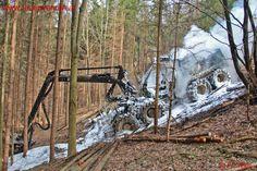Holzvollernter ausgebrannt #harvester #fire #firefighter #feuerwehr #wald #wood