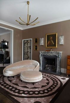 London interior designer Peter Mikic has restored a forgotten mid Notting Hill townhouse, transforming it into his personal home Interior Exterior, Best Interior, Luxury Interior, Luxury Furniture, Top Interior Designers, Modern Interior Design, Top Designers, Townhouse Designs, Living Room Inspiration