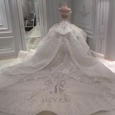 We make Dreams True.Visit us and keep the rest on us . We make Dreams True.Visit us and keep the rest on us . Princess Wedding Dresses, Dream Wedding Dresses, Bridal Dresses, Bridesmaid Dresses, Dubai Wedding Dress, Pretty Dresses, Beautiful Dresses, Beautiful Wedding Gowns, Quinceanera Dresses
