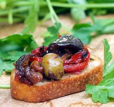 Caponata is a sweet and sour eggplant relish - perfect as an appetizer atop bruschetta or with grilled fish or on pasta. Try this great caponata recipe for your next dinner party or holiday gathering! Elegant Appetizers, Italian Appetizers, Appetizer Recipes, Italian Snacks, Italian Foods, Veggie Recipes, Aperitivos Vegan, Pasta Pan, Bruschetta