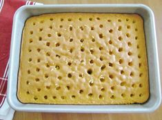The Country Cook: Banana Pudding Poke Cake dessert Banana Upside Down Cake, Banana Pudding Poke Cake, Best Banana Pudding, Oreo Pudding, Banana Pudding Recipes, Poke Cake Recipes, Poke Cakes, Dessert Recipes, Delicious Desserts