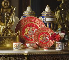 The official range of commemorative china to mark the anniversary of Her Majesty The Queen's Coronation is now on sale. Inspired by the Coronation procession on 2 June the design reflects the pomp and pageantry of a grand State ceremonial occasion. Royal Collection Shop, Queen's Coronation, 22 Carat Gold, Duchess Of York, 60th Anniversary, Elegant Dining, Royal Fashion, Coat Of Arms, British Royals