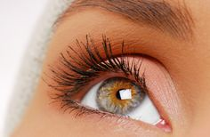 For a pretty and glamorous look, try eyelash extensions by trained cosmeticians of Shinny Threading Salon.