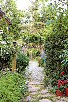 The Ultimate Entertaining Garden: Garden Rooms Path