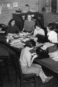 Albright working on college newspaper The Wellesley News in 1958