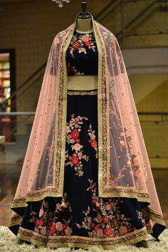 Lengha Choli Indian Lehenga Wedding Wear Bollywood Sari Lengha Choli Sari Suit T Designer Bridal Lehenga, Bridal Lehenga Online, Lehenga Choli Online, Lehenga Blouse, Lengha Choli, Indian Lehenga, Bollywood Lehenga, Red Lehenga, Bollywood Style