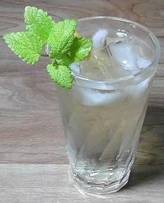 Lemon balm is known to calm anxiety, restore depleted energy and its decongestant and antihistamine properties help with asthma and hayfever. Try a delicious glass of lemon balm tea to enjoy and receive the benefits this beautiful herb has to offer.