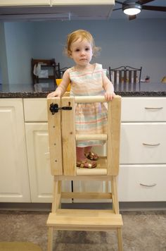 Let your little one safely help in the kitchen! #woodworkingplans #woodworkingtools