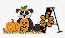 Alfabeto de ositos panda disfrazados para Halloween.
