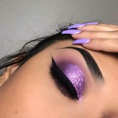 70 Fabulous Pink Eyeshadow makeup Ideas for Partynight - Page 14 𝙄𝙛 𝙔𝙤𝙪 𝙇𝙞𝙠𝙚 𝙅𝙪𝙨𝙩 𝙁𝙤𝙡𝙡𝙤𝙬 𝙐𝙨 Hope you love this pink eyeshadow makeup ideas ! ღ 𝕲𝖔𝖗𝖌𝖊𝖔𝖚𝖘 𝖕𝖎𝖓𝖐 𝖊𝖞𝖊𝖘𝖍𝖆𝖉𝖔𝖜 𝖒𝖆𝖐𝖊𝖚𝖕 𝖑𝖔𝖔𝖐𝖘 ღ օՅՅՏ-գ Purple Eye Makeup, Cat Eye Makeup, Pink Eyeshadow, Colorful Eyeshadow, Eyeshadow Looks, Colorful Makeup, Eyeshadow Makeup, Beauty Makeup, Purple Makeup Looks