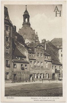 architecture photography buildings old Salzgasse mit Kuppel der Frauenkirche German Architecture, Beautiful Architecture, Old Pictures, Old Photos, Dresden Bombing, Dresden Germany, Famous Places, History Museum, Kirchen