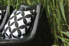 Regards et Maisons blog- My home- Vago Ikea- black