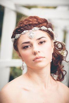 wedding hairstyle via Edera Jewelry