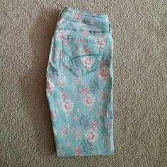 Selling this Bullhead Black Floral Print Skinniest Skinny Jeans on Poshmark! My username is: angies_finds. #shopmycloset #poshmark #fashion #shopping #style #forsale #Bullhead #Denim