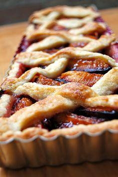Rectangular tart pan = Plum tart