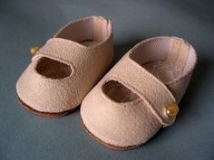 Doll Shoes to fit 18 inch dolls like American Girl and Gotz  I made these shoes out of home decorator suede using a Simplicity doll pattern 8211  Soles are made from a old leather briefcase (made by Barb Marlee)