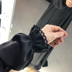 Source by hejsajsa dresses fashion hijab ilayki fashion chemisier dress mode Abaya Fashion, Muslim Fashion, Modest Fashion, Fashion Dresses, Fashion Muslimah, Abaya Mode, Hijab Mode, Abaya Designs, Sleeves Designs For Dresses