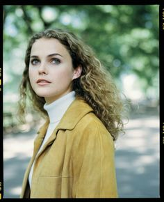 Keri Russell in Felicity, 1998 Keri Russell Hair, Keri Russell Style, Blonde Curls, Club Kids, Sarah Jessica Parker, Curly Girl, Mode Style, Everyday Look, Pretty Face
