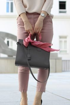 Of Silk and Satin I OUTFIT IDEAS AND HOW TO STYLE: COS light pink sweater / COS blush trousers / Saint Laurent Sac de Jour in grey grainy leather / Sergio Rossi black suede pumps / choker / Prada sunglasses / how to accessorise your bag