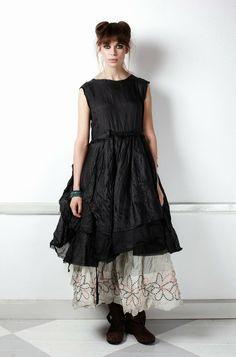 .especially love the petticoat decoration