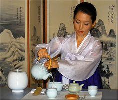 Korean Tea Ceremony Demo for TV | Flickr - Photo Sharing!