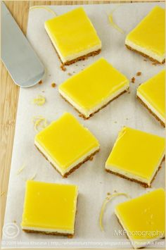 Quark Cheesecake Squares topped with Tart Lemon Curd Lemon Curd Cheesecake, Cheesecake Squares, Cheesecake Recipes, Slimming World Cheesecake, Slimming World Desserts, Quark Recipes, Baking Recipes, Filling Food, Whats For Lunch
