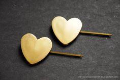 DIY Jumbo Heart Bobbi Pins @ mintedstrawberry.blogspot.com