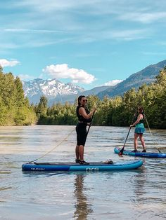 If you love water sports then add River stand up paddle boarding in Whistler to your bucket list. This new outdoor adventure idea combines SUP and suds in the mountains of Whistler and Pemberton. Whistler, Banff, Paddle Boarding, Photo Surf, Wave City, Sup Stand Up Paddle, Inflatable Sup, Surfing Pictures, Beauty Tips