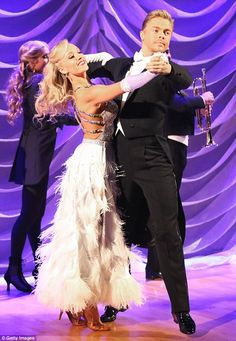 "Dancing With the Stars - Derek Hough & Nastia Lieuken foxtrot to ""New York, New York (FWB Remix)"" by Ray Quinn - week 1 - Season 20 - Spring 2015 - score - 7+7+8+8 = 30"