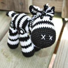 kreative Spielzeuge häkeln - ein tolles Zebra