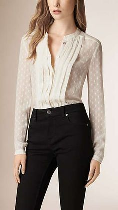 Stylish Job Work Outfit Ideas to Look Attractive Classy Outfits, Pretty Outfits, Casual Outfits, Fashion Outfits, Womens Fashion, Bluse Outfit, Fashion Beauty, Luxury Fashion, Work Attire