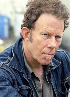 Love Tom Waits and his gravelly voice.