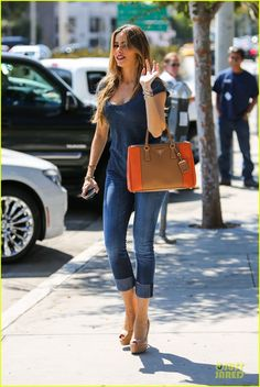 Sofia Vergara..... #perfect #streetstyle