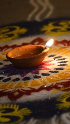 ManovalWallpapers 𝗧𝗲𝗹𝗲𝗴𝗿𝗮𝗺: M-Wallpapers Diwali Festival Of Lights, Diwali Lights, Diwali Photos, Diwali Images, Diwali Food, Diwali Diy, Happy Diwali Hd Wallpaper, Diwali Photography, Phone Photography