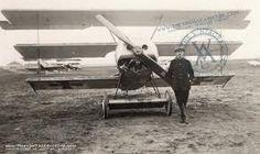 un avión muy viejo de la primera guerra mundial
