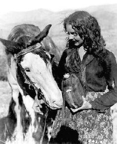 "Dice the movie star horse with Jennifer Jones in ""Duel in the Sun"" co-starring Gregory Peck, & Lillian Gish"
